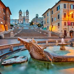 bed and breakfast roma centro piazza di spagna con fontana e scalinata